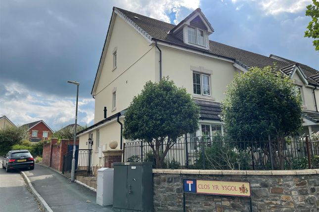 4 bed town house for sale in Alban Road, Llanelli SA15