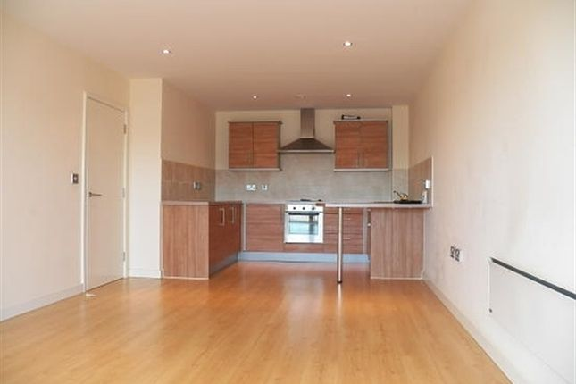 Flat to rent in Waterside Way, Wakefield