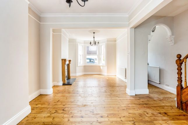 Thumbnail Terraced house to rent in Queens Road, Windsor