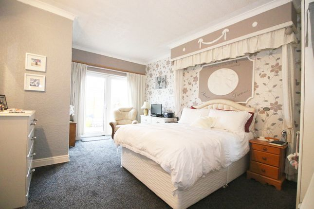 Thumbnail Flat for sale in Victoria Road West, Thornton-Cleveleys