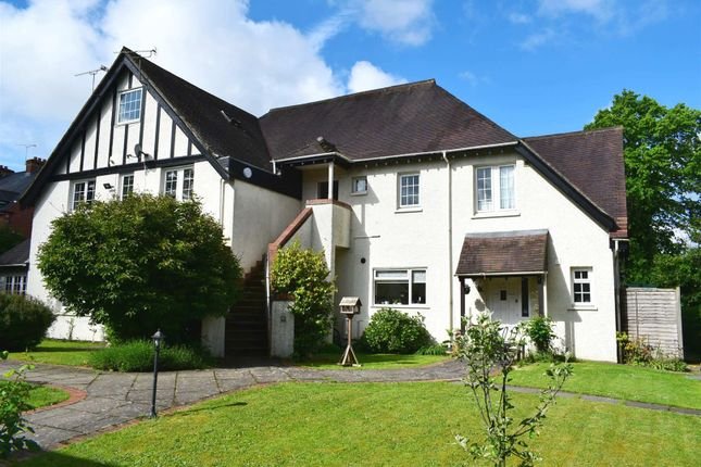 Thumbnail Flat for sale in Link Road, Newbury