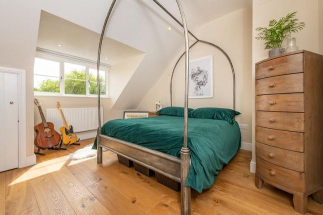 Bedroom of The Villas, Rutherway, Oxford, Oxfordshire OX2