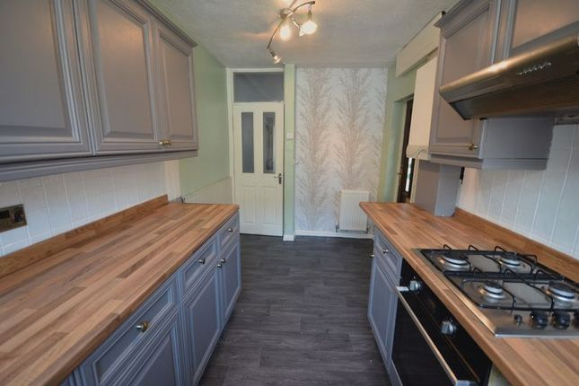 2 bed property to rent in Atlas Street, Clayton Le Moors, Accrington BB5