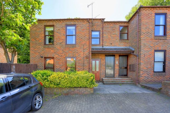 Flat for sale in Folly Avenue, St. Albans