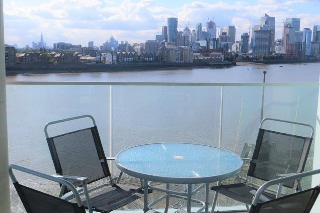 Thumbnail Flat to rent in Enderby Wharf, Greenwich, London