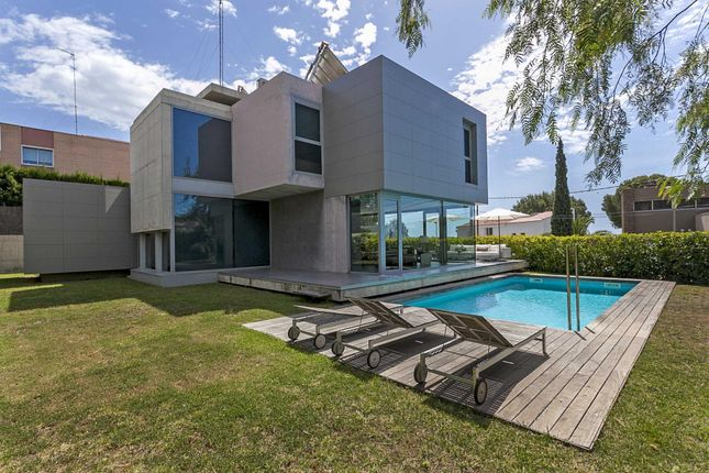 4 bed villa for sale in Bon Recer, Barcelona, Catalonia, 43007, Spain