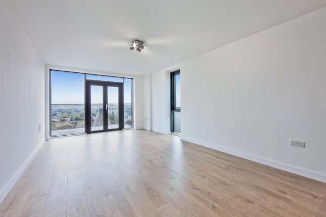 2 bed flat to rent in Two Double Bedroom, Gym & Porter, Dalston