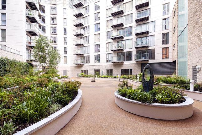 Picture No. 07 of Courtyard Apartments, 3 Avantgarde Place, London E1
