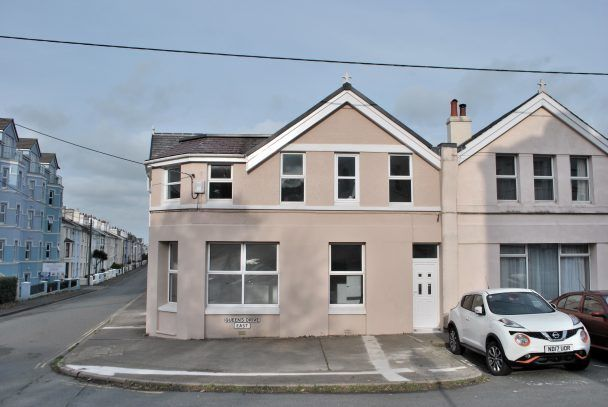 Thumbnail Terraced house to rent in Nr 7, Queens Drive East, Ramsey