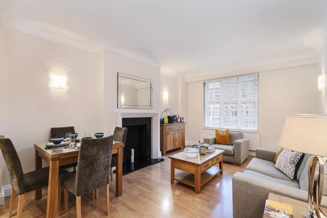 Thumbnail Flat for sale in Buckingham Palace Road, London