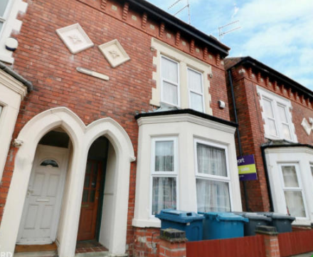 4 bed semi-detached house to rent in Rosebery Avenue, West Bridgford, Nottingham NG2