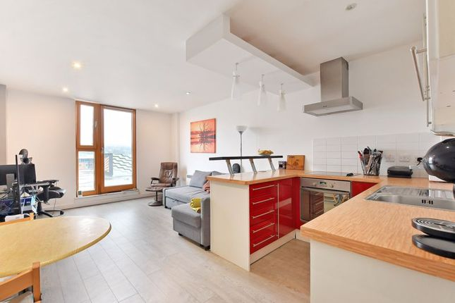 1 bed flat for sale in Fulcrum, Furnival Street, City Centre, Sheffield S1