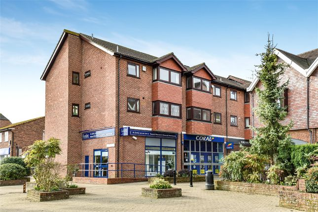 Thumbnail Flat for sale in Denly Way, Lightwater, Surrey