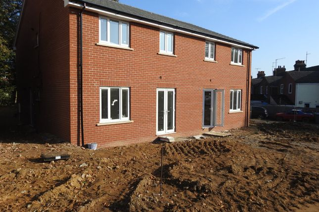 Thumbnail Flat for sale in Carr Avenue, Leiston, Suffolk