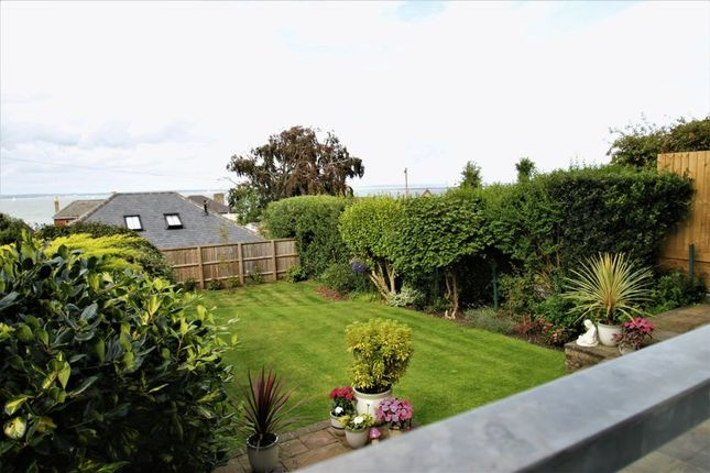 Thumbnail Flat for sale in Cliff Road, Cowes