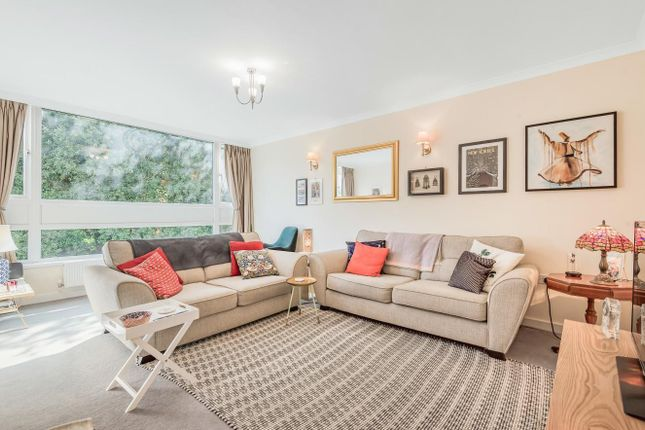 Thumbnail Flat for sale in Dorland Court, Putney