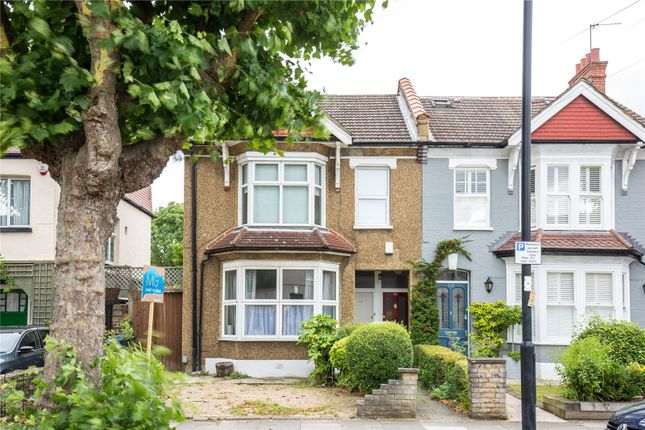 Thumbnail Flat for sale in Wellington Road, Enfield, Middlesex