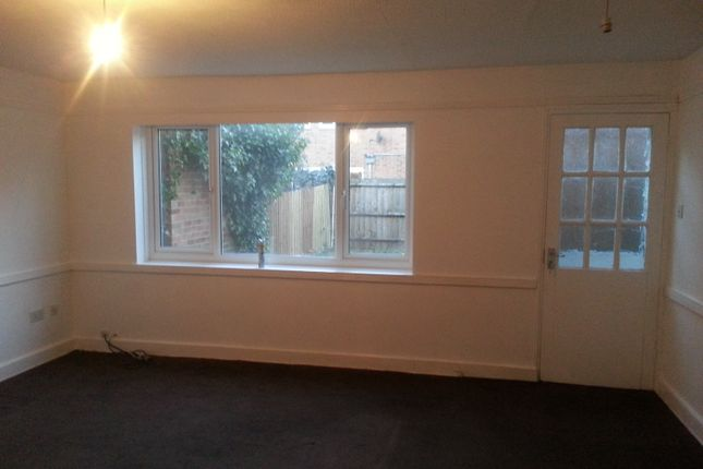 Thumbnail Terraced house to rent in Baxter Road, Canning Town