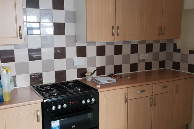 Thumbnail Terraced house to rent in Montague, Slough