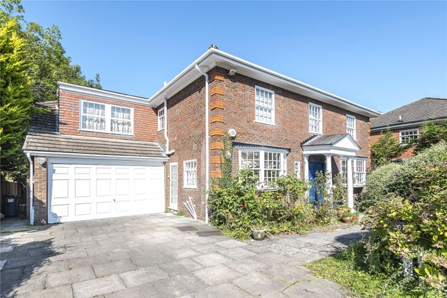 Thumbnail Detached house for sale in Grantham Close, Edgware, Middlesex