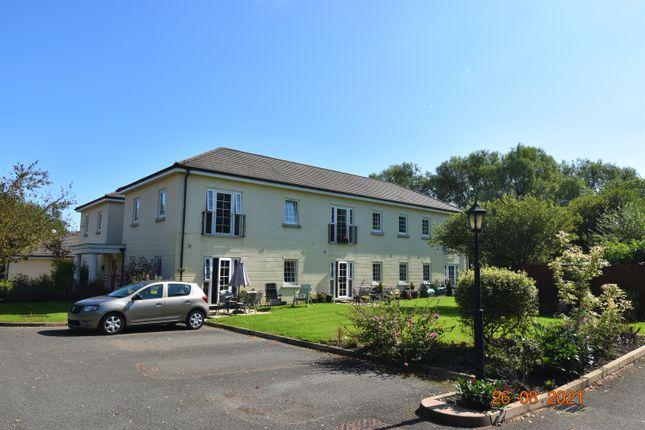 Thumbnail Flat to rent in Inglenook Court, Leigh, Wigan
