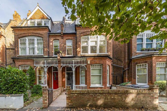 Thumbnail Flat to rent in Kings Avenue, London