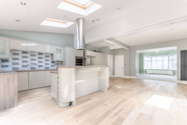 Thumbnail Property to rent in Oak Hill Gardens, Woodford Green
