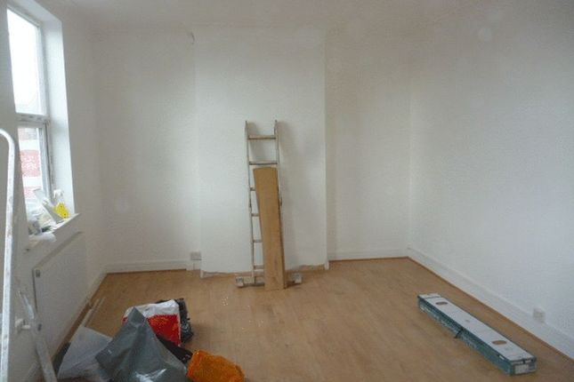 Thumbnail Flat to rent in Watford Way, London