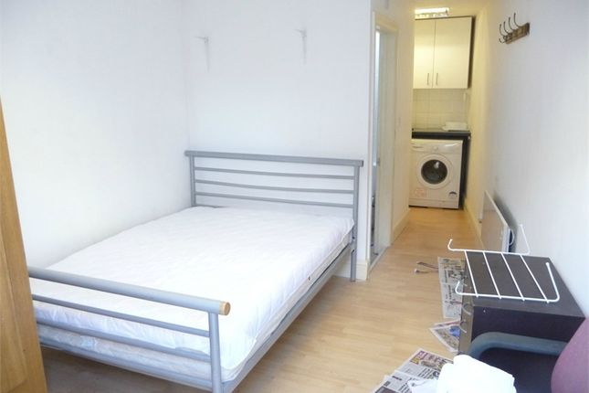 Thumbnail Studio to rent in Dukes Avenue, Hounslow, Greater London
