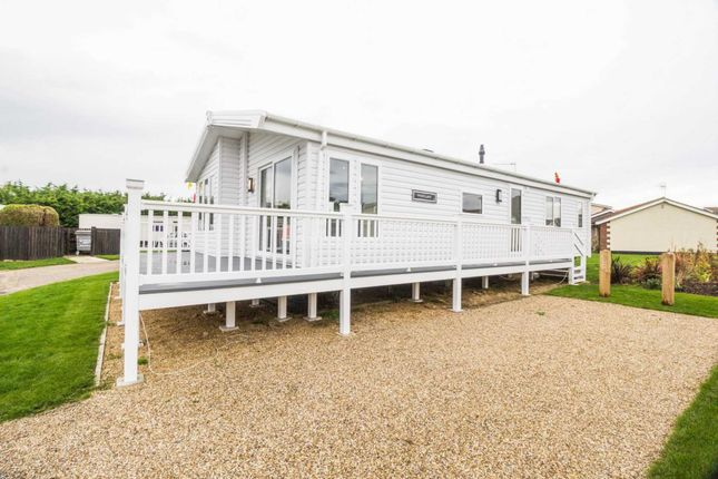 Thumbnail Lodge for sale in Rottenstone Lane, Scratby, Great Yarmouth