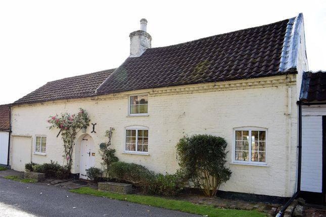Thumbnail Cottage for sale in Church Side, Grasby, Barnetby