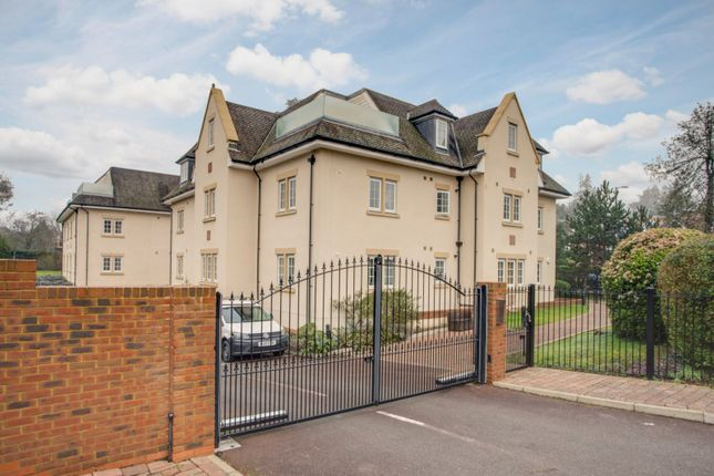 Thumbnail Flat for sale in Packhorse Road, Gerrards Cross, Buckinghamshire