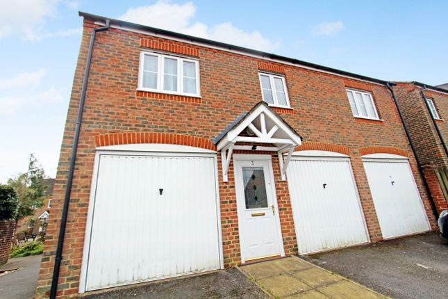 2 bed flat to rent in Gammon Close, Petersfield, Hampshire GU31