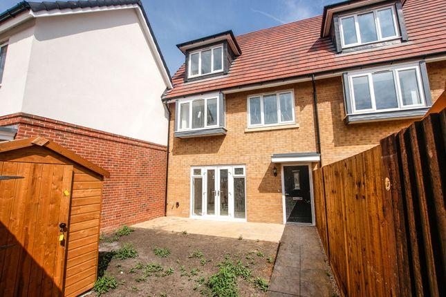 Thumbnail End terrace house for sale in Ibworth Lane, Fleet