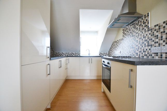 Thumbnail Flat to rent in High Street, Newick, Lewes
