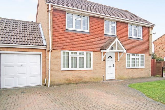 Thumbnail Detached house to rent in Stirling Drive, Chelsfield, Orpington