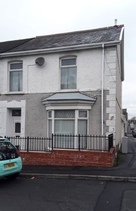 3 bed end terrace house to rent in Tyisha Road, Llanelli SA15