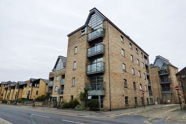 Thumbnail Flat to rent in Royal View, Lancaster