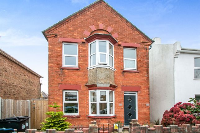 2 bed flat for sale in Livingstone Road, Southbourne, Bournemouth BH5