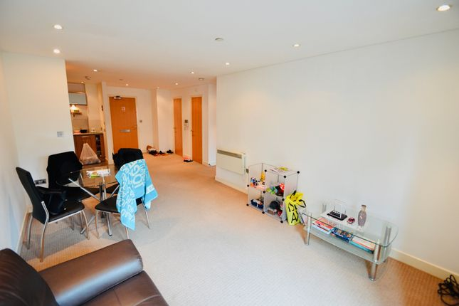 Living Area of Woolpack Lane, Nottingham NG1