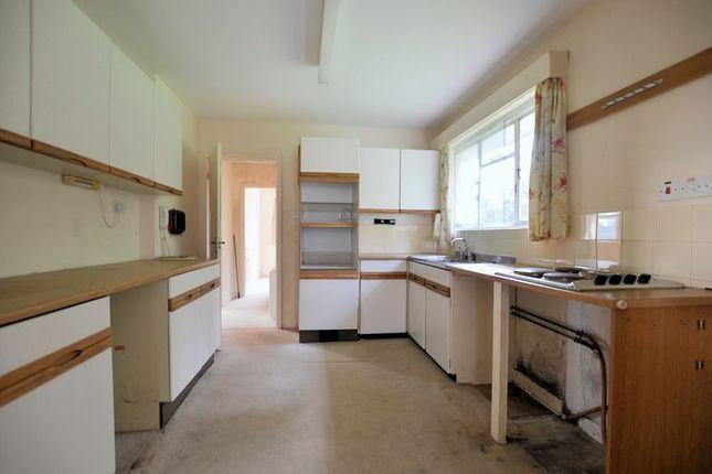 Kitchen of Moorland Court, Yelverton PL20