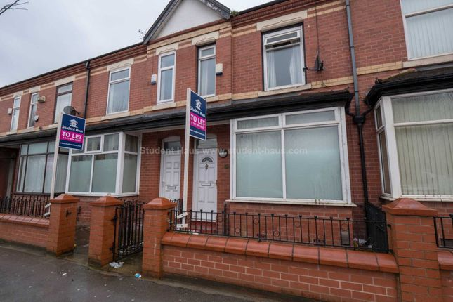 3 bed detached house to rent in Littleton Road, Salford