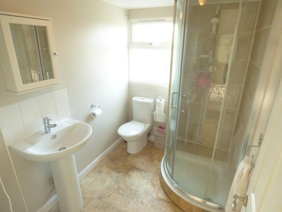 En-Suite of Park Lane, Duston, Northampton, Northamptonshire NN5