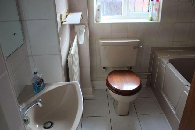 Bathroom of Southcourt, Moulton, Northampton NN3