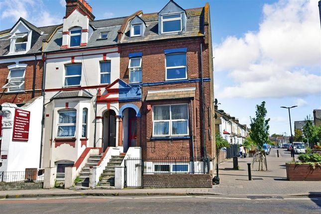 Thumbnail Flat for sale in Hoe Street, London