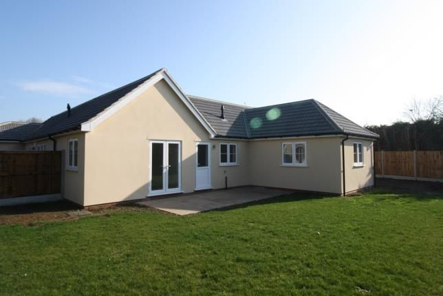 2 bed bungalow for sale in Volwycke Avenue, Maldon