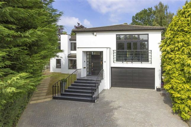 Thumbnail Property for sale in The Pastures, Totteridge, London