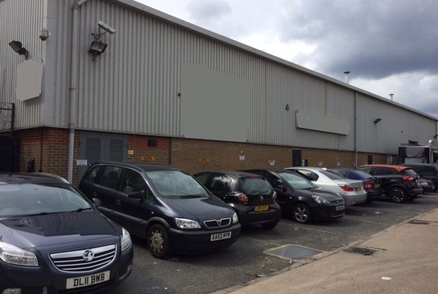 Thumbnail Warehouse to let in Forest Road, Hainault, Essex