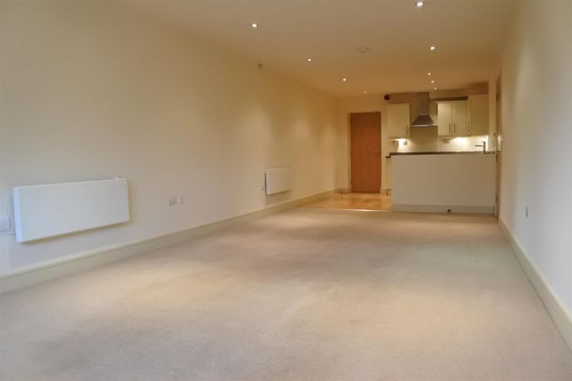 Thumbnail Flat for sale in River View Maltings, Grantham
