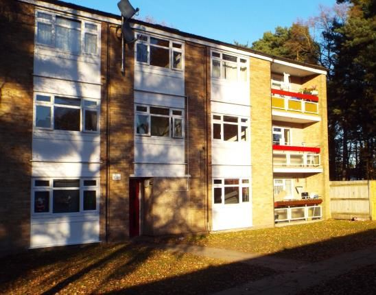 2 bed flat for sale in Harmans Water Road, Bracknell, Berkshire